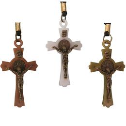 Crucifixo de São Bento com Cordão